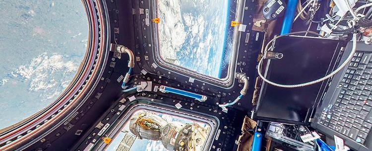 Thăm Trạm không gian quốc tế với Google.