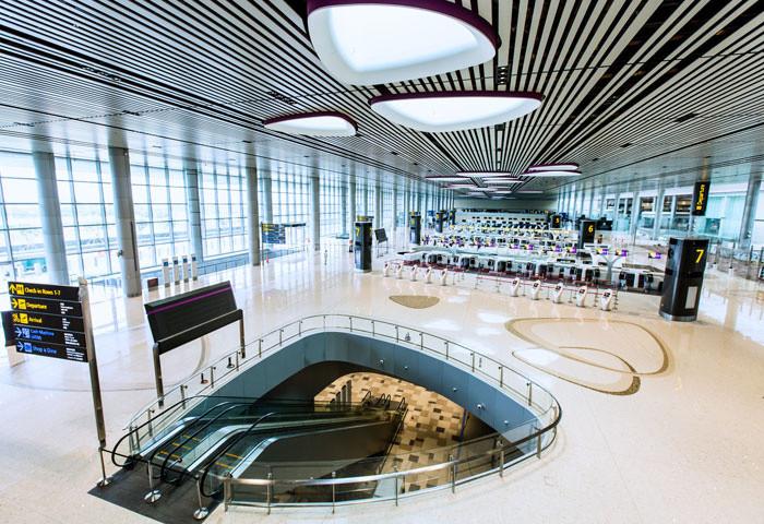 Đại sảnh trung tâm nhà ga T4 dài 300m, cao 23m