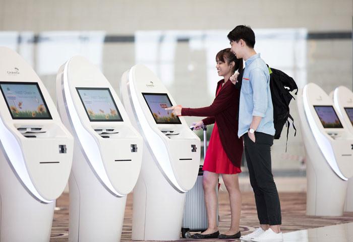 Điểm đặc biệt của nhà ga T4 là hành khách có thể làm thủ tục hàng không tự động