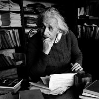 Cỗ máy đóng băng nước bằng lửa của thiên tài Einstein