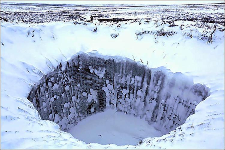 Hố tử thần xuất hiện ngày càng nhiều ở Siberia, Nga.