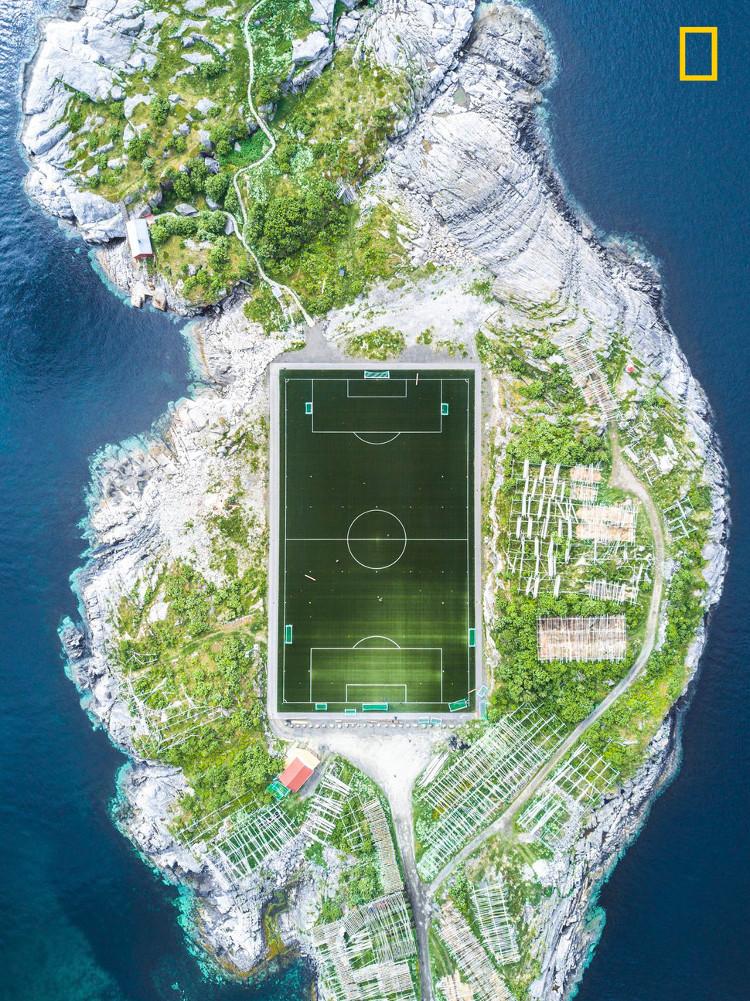 Henningsvær Football Field, Henningsvær, Nordland, Na-uy