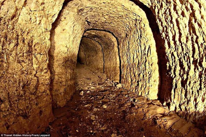 Hệ thống đường hầm được cho là trên trăm tuổi.