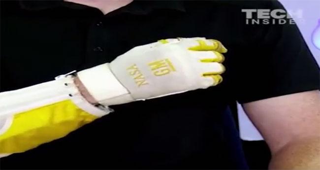 Thiết bị này giúp phi hành gia có cánh tay như Người Sắt trong phim Hollywood