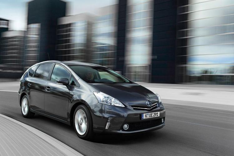 """Prius chính là """"lá cờ đầu"""" trong phân khúc xe Hybrid."""