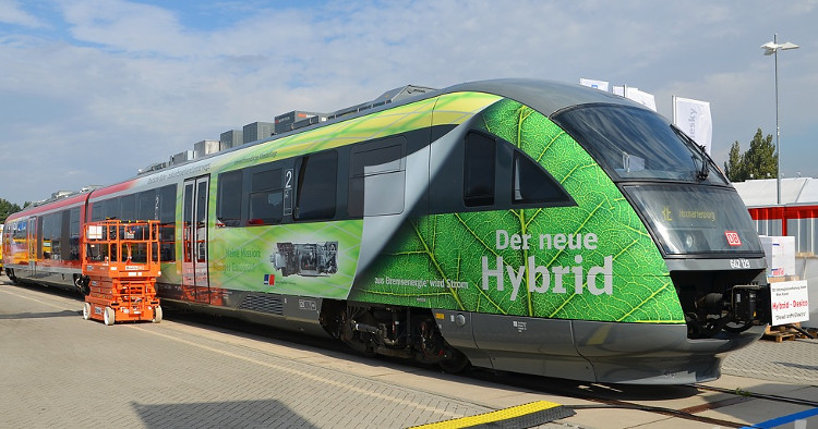 Một chiếc đầu máy xe lửa sử dụng nền tảng Series Hybrid.