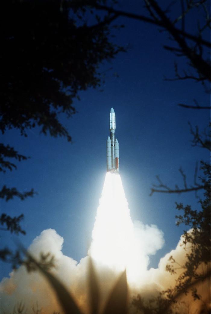 Tàu vũ trụ Voyager 2 được phóng lên quỹ đạo vào ngày 20/8/1977.