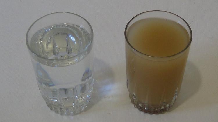 Phương pháp này không tạo ra cặn sắt trong nước và giá thành sản xuất rất rẻ, chỉ mất vài USD/kg.