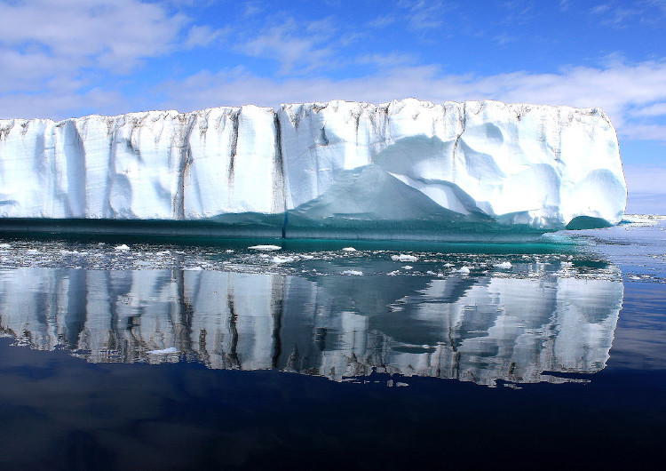 Nếu băng ở Greenland tan chảy hết thì mực nước biển trên thế giới sẽ dâng thêm 7m.