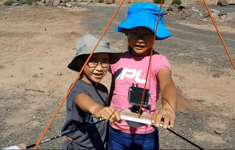 Hai chị em được NASA mời hợp tác thu nhập dữ liệu về nhật thực.