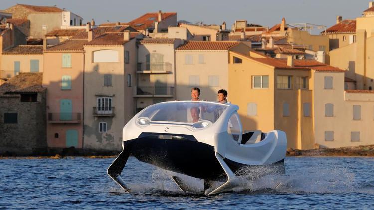 Mẫu taxi trên sông SeaBubbles tại cảng Saint-Tropez, Pháp ngày 18/8
