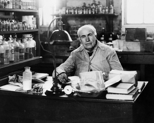 Khi phỏng vấn các ứng cử viên cho vị trí trợ lý, Edison luôn đưa họ một bát súp.