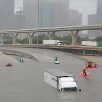 Những yếu tố thúc đẩy siêu bão trút 34 tỷ m3 nước xuống Texas