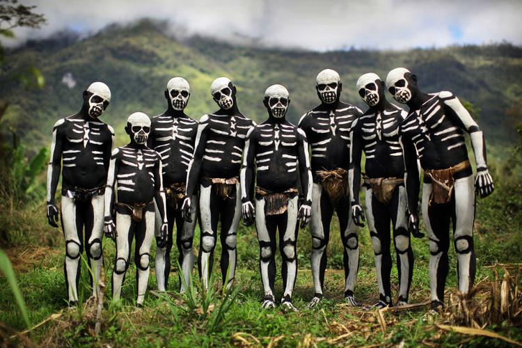 Nghi lễ vẽ xương trên cơ thể của các bộ lạc ở Chimbu.