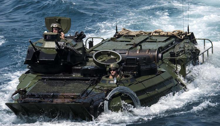 Mẫu xe lội nước AAV đang được vận hành trong đời thực.
