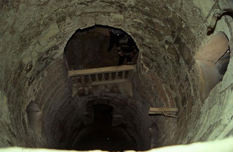 Hầm mộ Kom el Shoqafa được cho là đã được sử dụng vào thế kỷ thứ 2 sau công nguyên.