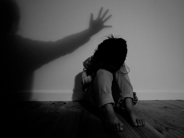 """Bóng ma bạo hành tuổi thơ vẫn """"ám"""" họ đến khi trưởng thành."""