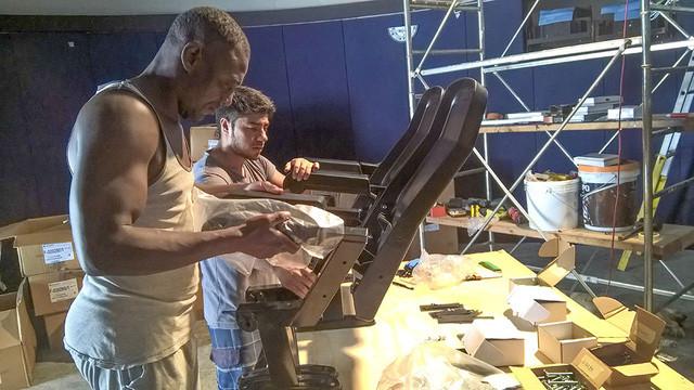 Các chuyên gia Ý lắp đặt thiết bị kỹ thuật của đài thiên văn