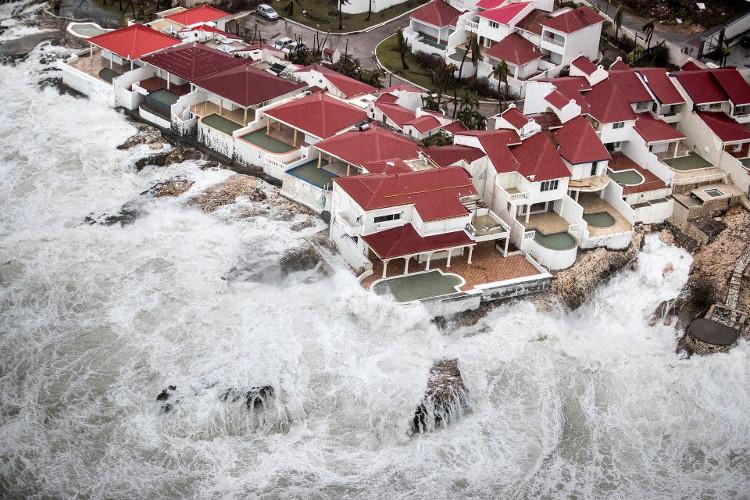 Bão Irma tàn phá nhiều nhà cửa ở St. Maarten.