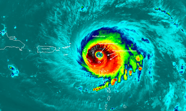 Mắt bão Irma trong ảnh vệ tinh.