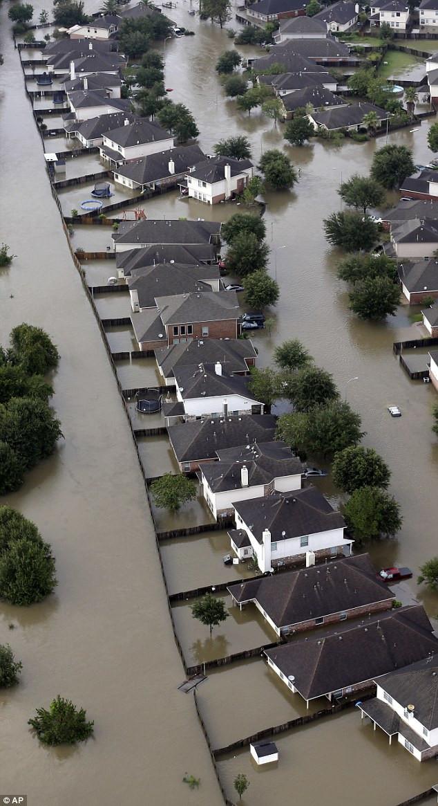 Siêu bão Harvey gây ngập lụt nặng ở Texas.