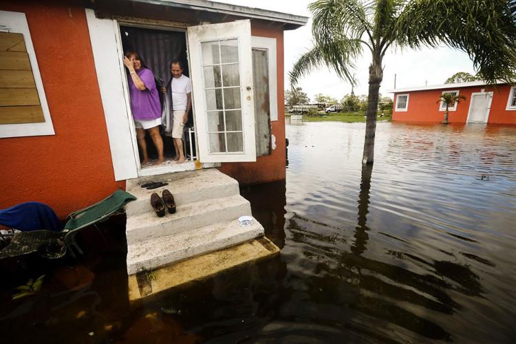 Tại Florida keys, có khoảng 5.000 trong số 30.000 cư dân quyết định ở lại không di tản.