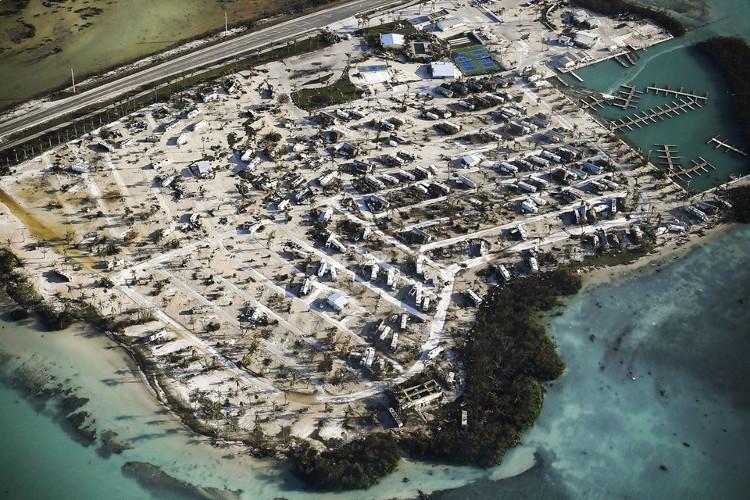 Trong ảnh là một phần chuỗi đảo Florida Keys trơ trọi, bị xói mòn sau bão