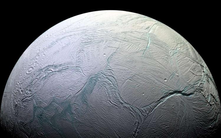Mặt trăng Enceladus của sao Thổ có thể tồn tại sự sống.