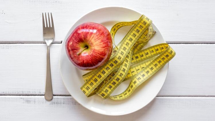 Chế độ ăn với hàm lượng calorie thấp như trên có thể giúp giảm cân 15kg