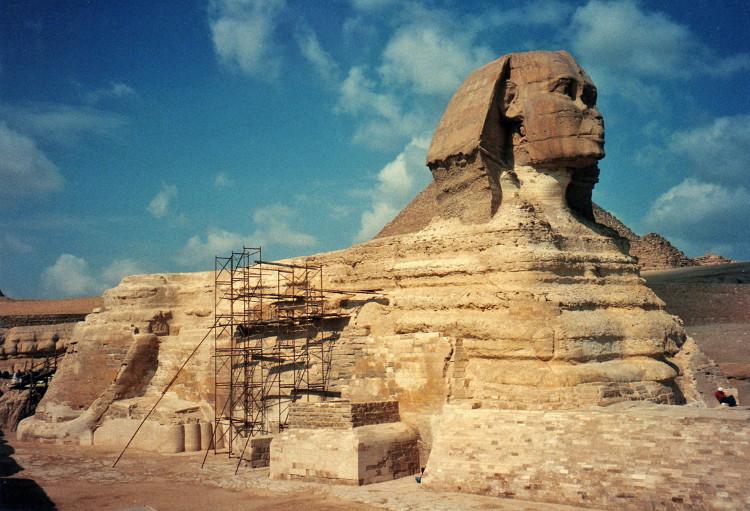 Tượng Nhân sư cũng chính là tác phẩm điêu khắc nguyên khối lớn nhất trên Trái đất.