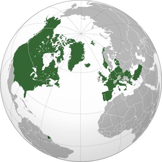 Các nước khối NATO được tô màu xanh lá cây.