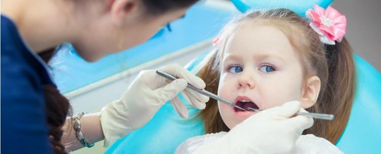 60-90% học sinh và cả người lớn, từng bị sâu răng.