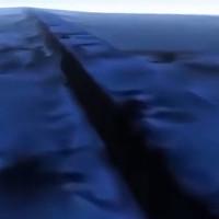 """Google Earth phát hiện """"siêu tường thành"""" khổng lồ dưới đại dương?"""
