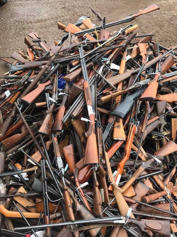 Vũ khí thu được sau những lần truy quét tội phạm.