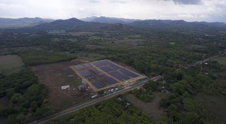 Công viên Solar Juanilama nhìn từ trên cao.