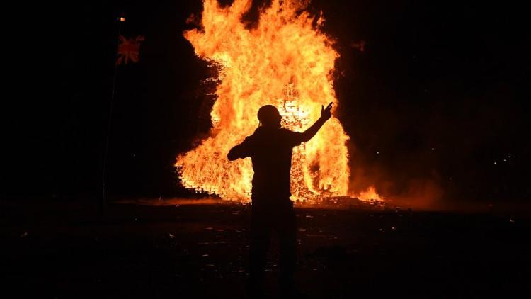 Nhiều nhà khoa học cố gắng tìm cách lý giải hiện tượng người tự bốc cháy.