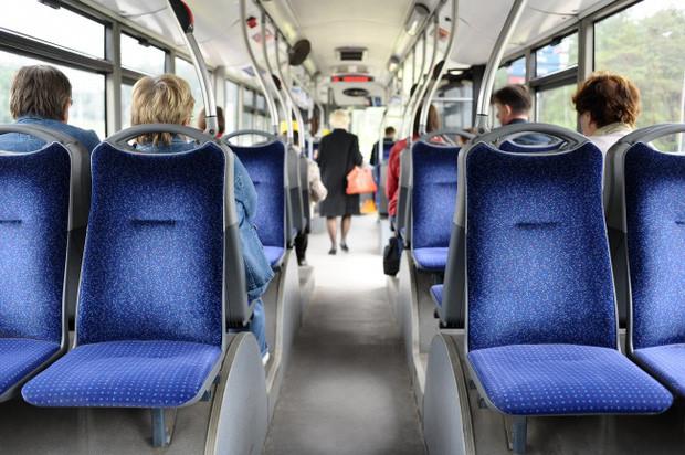 Đi xe buýt