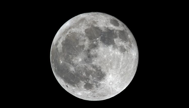 Cực Nam của Mặt Trăng là một trong những nơi lạnh nhất trong hệ Mặt Trời.