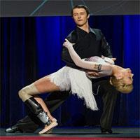 Công nghệ giúp người mất chân khiêu vũ và bơi như cá