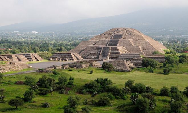 Kim tự tháp Mặt trăng ẩn chứa nhiều bí mật.