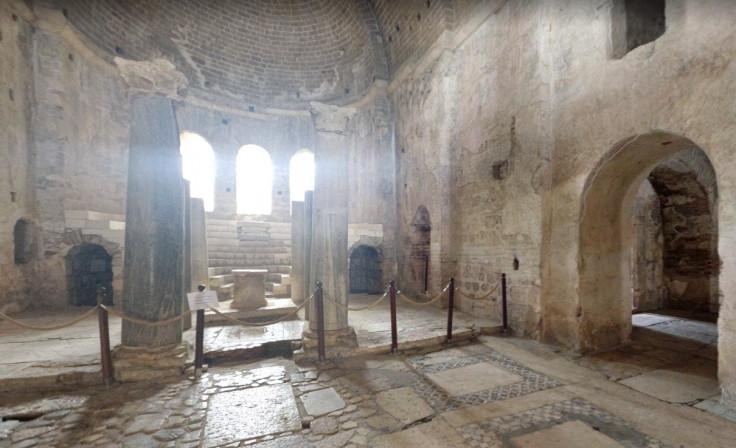 Nhà thờ Thánh Nicholas ở Demre.