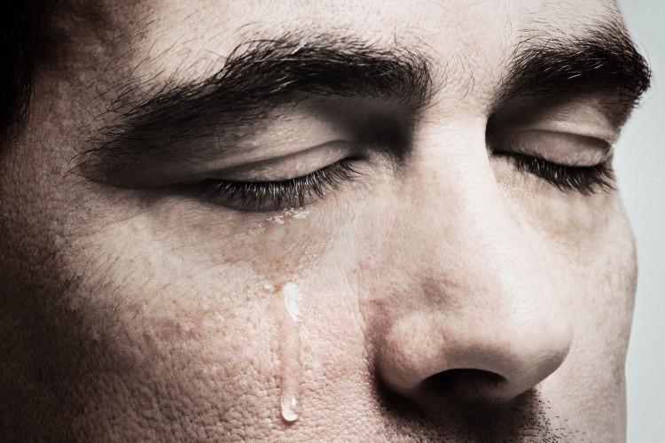 Nước mắt có thể trở thành nguồn điện trong tương lai.