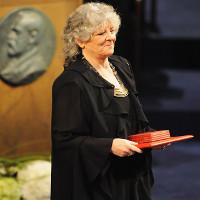 Chỉ 17 nhà khoa học nữ từng đoạt giải Nobel, vì sao?
