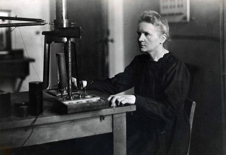 Bà Marie Curie