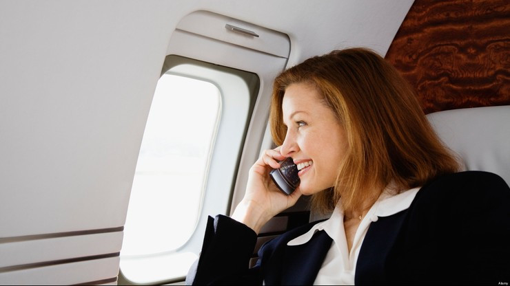 Nhiều hãng hàng không đã cho phép hành khách thực hiện cuộc gọi của các nhà mạng.