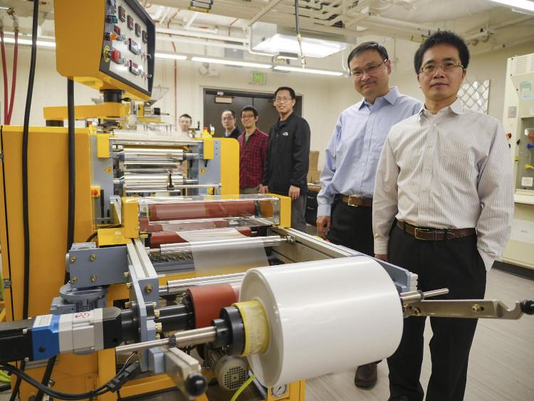 Tấm màng làm mát có thể được ép dưới dạng cuộn, cho phép sản xuất với số lượng lớn.