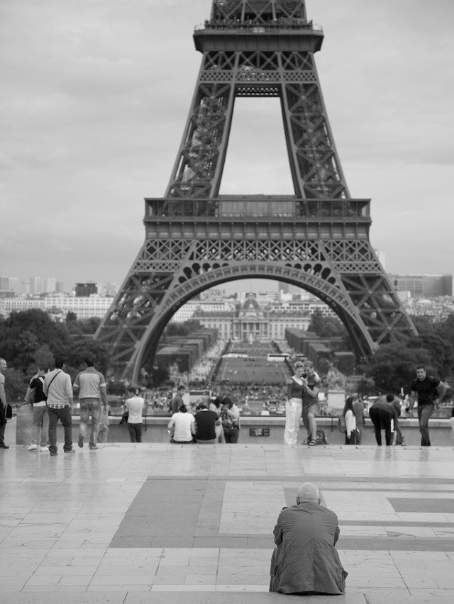 Tháp Eiffel là công trình chào mừng lễ kỷ niệm 100 năm Cách mạng Pháp (1789 – 1889).