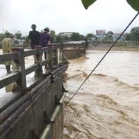 29 người thiệt mạng trong mưa lũ dồn dập