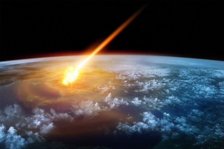 Nguy cơ một thiên thạch đâm vào Trái đất và tiêu diệt hầu hết mọi sinh vật vẫn luôn hiện hữu.