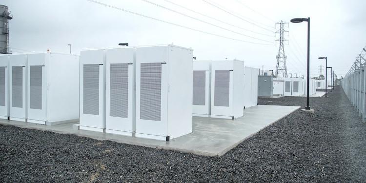 Những viên pin giá rẻ với hiệu suất cao có vai trò rất quan trọng trong tương lai của năng lượng tái tạo.
